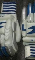 cricket-gloves-6