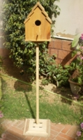 bird-house-with-pedestal